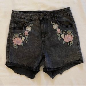 CELEBRITY PINK High Waisted Flower Embroidery